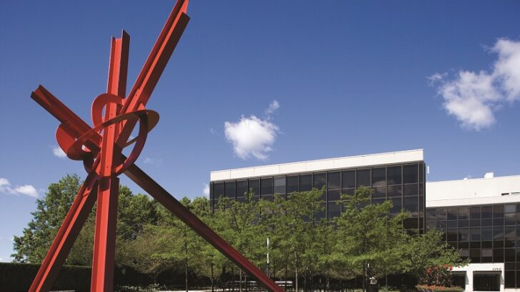 """29-Foot """"Borealis"""" Sculpture Marks 20 Years on Exhibit at Greenwich Plaza"""