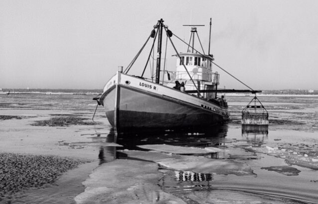 Oystering in Norwalk, CT – A Virtual Chat with Photographer Bill Whitbeck Hosted by the Norwalk Historical Society
